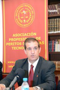 Fernando Mairata Presidente de la Asociación en la presentación de PETEC