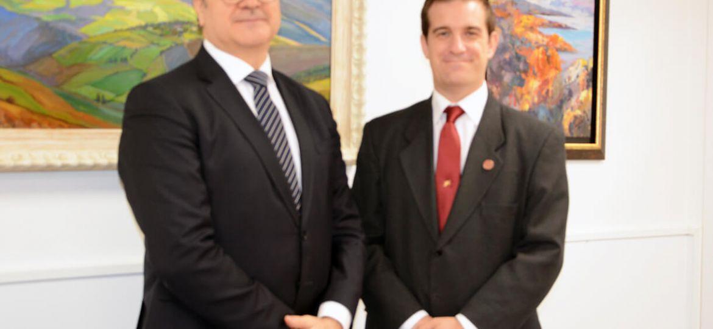Firma del convenio de colaboración entre PETEC y el CEF