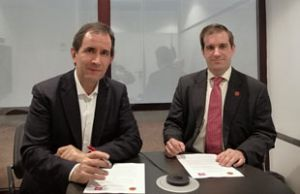 osé María Fernández Comas y Fernando Mairata firmando el Convenio Marco de Colaboración