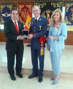 PETEC entrega a D. Rafael García Hernández la Medalla al Merito en la Ciberdefensa
