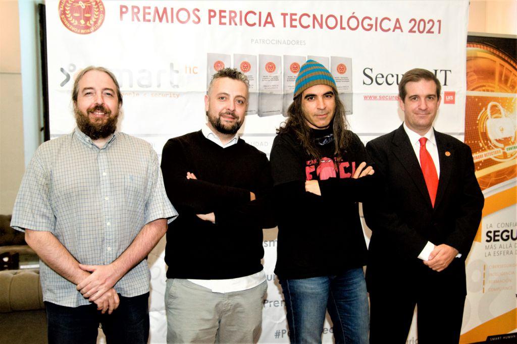 Rafael García (Hack by security), Miguel Angel Martin(Hack by security), Chema Alonso, Fernando Mairata. Premios Pericia Tecnológica 2021