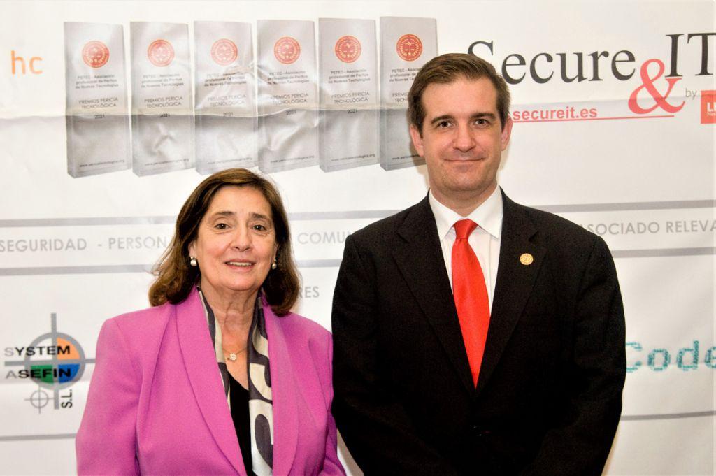 Elvira Tejada, Fernando Mairata. Premios Pericia Tecnologica 2021